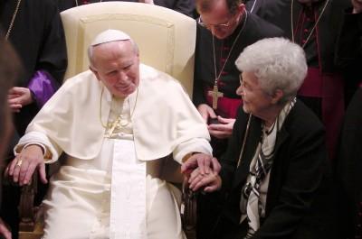 2332111191_ee0d086f99_o Chiara Lubich con Giovanni Paolo II